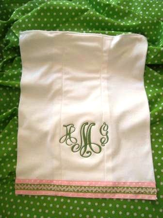 New Buckhead Betties Bib// Burp Cloth Set Damask Cotton